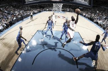 Houston Rockets se impõe sobre Oklahoma City Thunder e acumula 16ª vitória consecutiva