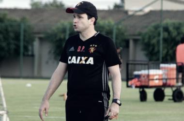Após empate, Daniel Paulista se diz satisfeito com atuação e ressalta confiança em André