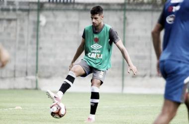 Sem espaço no elenco, Vasco empresta Guilherme Costa ao Vitória