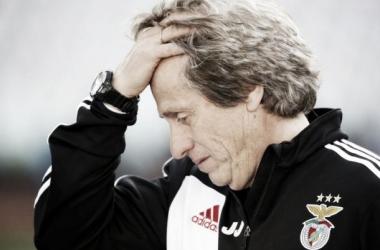 Jorge Jesus voltou a perder uma final europeia (Foto: Reuters)