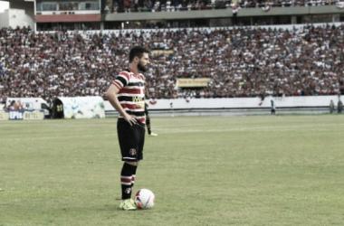 Meio-campista estendeu vínculo com Tricolor até o fim de 2017 (Foto: Antônio Melcop/Santa Cruz)