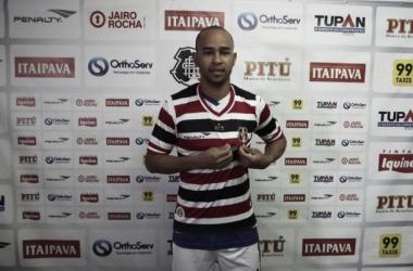 Ex-Serra Talhada, jogador pode fazer estreia pelo tricolor diante do alvinegro potiguar (Foto: Antônio Melcop/Santa Cruz)