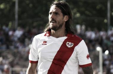 Larrivey, durante su etapa como franjirrojo | Fotografía: Rayo Vallecano