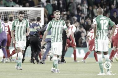 Joaquín, Borja Iglesias y Sidnei tras acabar el partido / Foto: LaLiga