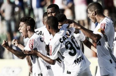 Atlético-MG supera falhas de Victor e Pratto e arranca empate da URT fora de casa