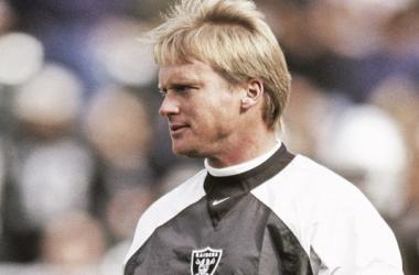Jon Gruden regresa a los Raiders