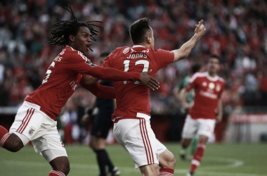 Benfica sofre mas oferece prenda aos adeptos: Jonas 'mata' Rio Ave perto do fim