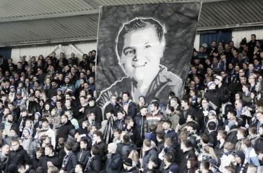 Darmstädter Fans gedenken dem gestorbenen Heimes. | Quelle: picture alliance