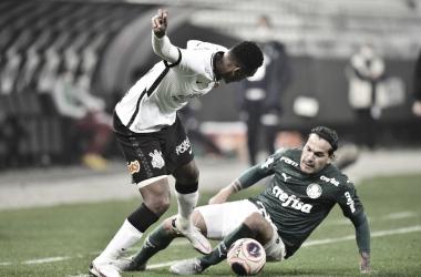 Jô reconhece jogo abaixo, mas exalta força defensiva do Corinthians no clássico
