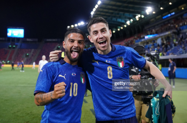 Lorenzo Insigne and Jorginho of Italy celebrate at the end of the international friendly match between Italy and Czech Republic at on June 04, 2021 in Bologna, Italy. (Photo by Claudio Villa/Getty Images)
