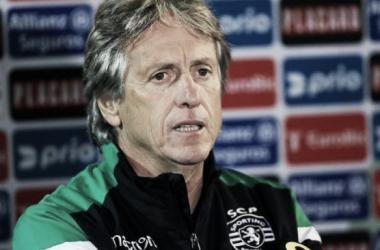 Jorge Jesus habló del buen accionar de sus dirigidos en un césped complicado / www.sporting.pt