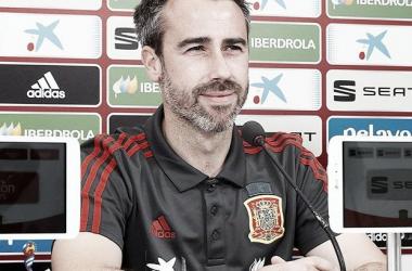 Jorge Vilda durante una rueda de prensa / Foto: @SeFutbolFem