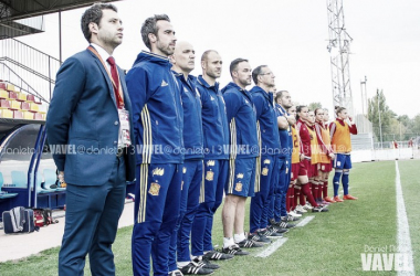 Jorge Vilda junto a su cuerpo técnico en la Copa Algarve. | Foto: José María Colomo (VAVEL.com).