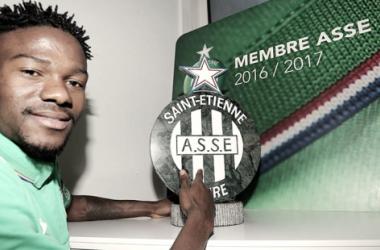 Ex-Manchester City, atacante Jorginho assina contrato com o Saint Etienne