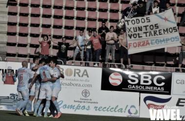 Fotos e imágenes del SD Compostela 4-2 CD Tropezón de la jornada 33, Segunda División B Grupo I
