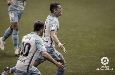 Yanis Rahmani junto a Jairo celebrando el primer gol. / Foto: LaLiga.