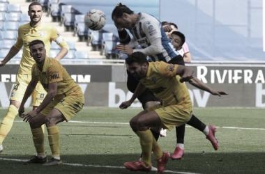 RDT remata a gol ante la mirada de Ismael y Lombán. / Foto; RCD Espanyol.