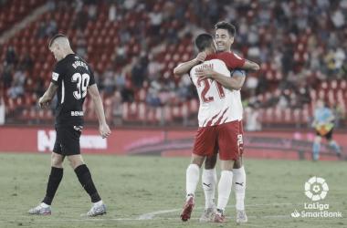Roberto cabizbajo tras el gol del UD Almería. / Foto: LaLiga