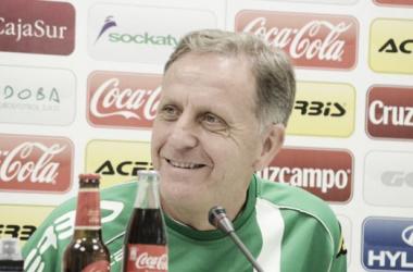 """Jose Antonio Romero en la Sala de prensa del Estadio """"El Arcángel"""" (Foto:www.cordobacf.com)"""