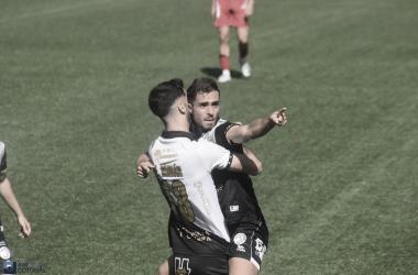 José Salinas autor de dos goles. Foto: José Luis Cotobal