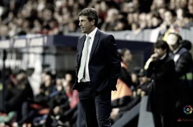José González durante en Málaga-Barça | La Liga