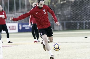 Juanfran es la gran novedad de la lista, pues recibió el alta médica por la mañana. FOTO: Atlético de Madrid