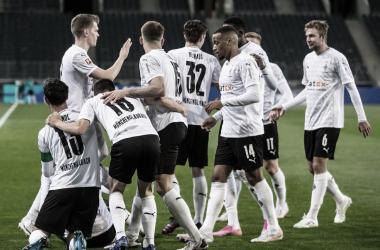 Los jugadores del Gladbach en pleno festejo / Foto: @borussia