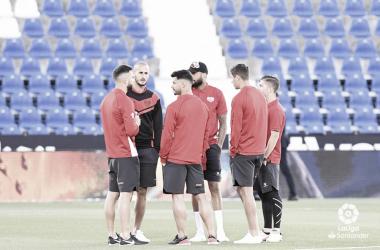 Jugadores en Butarque antes del partido. Fotografía: La Liga
