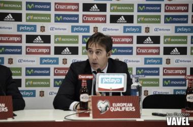 Julen Lopetegui durante una rueda de prensa | Fotografía: Jose Mendoza
