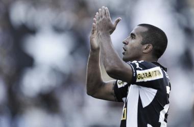 Recordar é viver: em 2013, Botafogo surpreende, bate Fla e estraga a festa para Zico