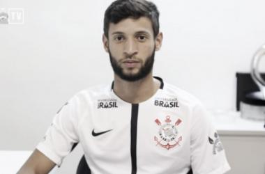 """Juninho Capixaba celebra acerto com Corinthians: """"Maior do Brasil"""""""