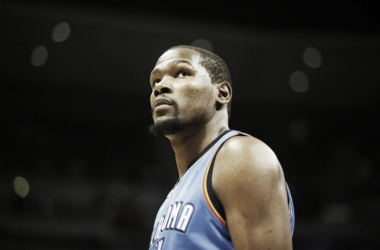 Kevin Durant will be making a major decision that will impact the entire NBA| Chris Humphreys - USA TODAY Sports