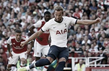 Gol de penalti de Harry Kane / Foto: Premier League