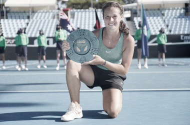 "<p style=""margin-bottom: 0cm; color: rgb(0, 0, 0); font-size: medium; font-style: normal; text-align: start;""><font size=""4""><b>Daria Kasatkina, la campeona del torneo. Foto: WTA</b></font></p>"