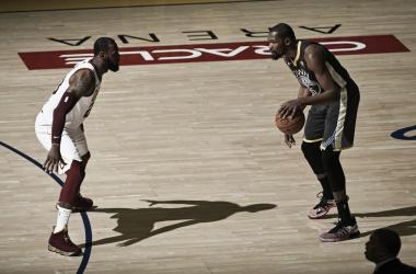 Kevin Durant e LeBron James. Fonte: NBA/Twitter