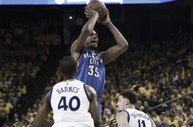 Kevin Durant taking a jumper/Credit: Kyle Terada/USA TODAY Sports