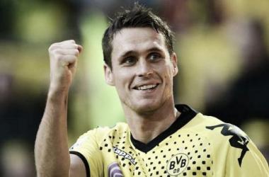 Capitão Kehl minimiza importância dos desfalques e comemora vitória do Dortmund sobre o Bayern
