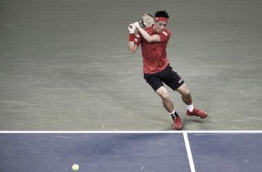 Nishikori en acción durante el pasado torneo de Tokio. Foto: zimbio.com