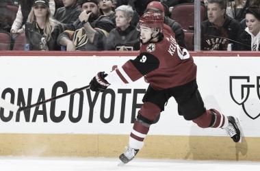 Clayton Keller con los Coyotes | Foto: NHL.com