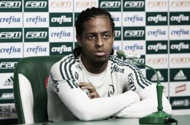 Keno em entrevista coletiva (Foto: Divulgação / SE Palmeiras)