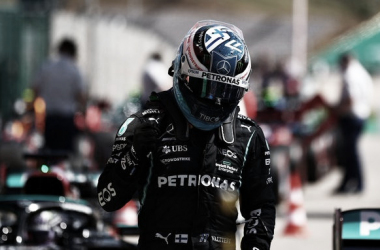Bottas festejando la pole | Foto: Fórmula 1