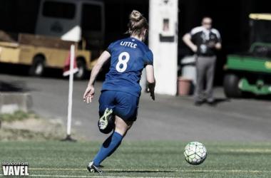 Kim Little tracking the ball down against FC Kansas City | Brandon Farris - VAVEL USA