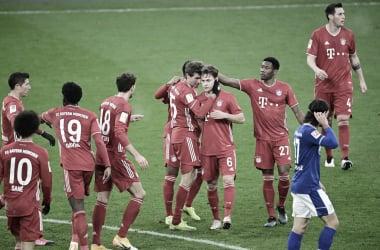 Eficiente, Bayern goleia Schalke 04 e amplia liderança na Bundesliga