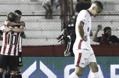 La frustración de Huracán con el gol de Estudiantes (Foto: AS Argentina)