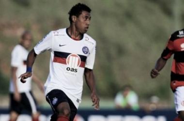 Com contrato até o final de 2014, Kléberson tem futuro indefinido no Bahia