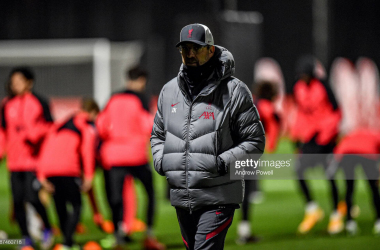 KIRKBY, ENGLAND - NOVEMBER 24: (THE SUN OUT, THE SUN ON SUNDAY OUT) Jurgen Klopp manager of Liverpool during a training session ahead of the UEFA Champions League Group D stage match between Liverpool FC and Atalanta BC at AXA Training Centre on November 24, 2020 in Kirkby, England. (Photo by Andrew Powell/Liverpool FC via Getty Images)