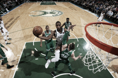 Khris Middleton in azione contro i Celtics. Fonte: NBA/Twitter