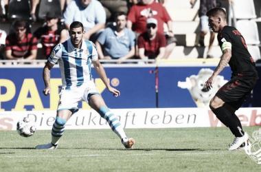 Theo Hernández ya ha lucido su nueva elástica txuri urdin/ Foto: Real Sociedad
