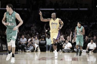 Los Lakers ganan y Kobe Bryant calienta motores