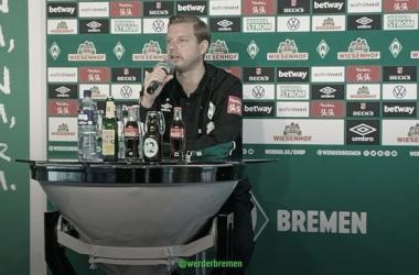 """Após derrota do Bremen, Kohfeldt desabafa: """"Precisamos vencer e ter esperança"""""""